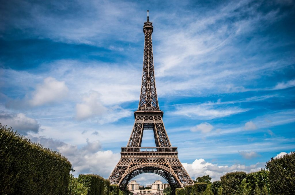 Discover the curiosities of the Eiffel Tower
